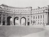 Admiralty Arch in London situated between Trafalgar Square and the Mall circa 1915