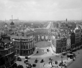 Admiralty Arch The Mall Westminster London 1923 It was designed by Sir Aston Webb and built in 1910 as part of the Queen Victoria memorial scheme The...