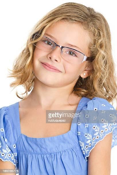 Adorable fille avec des lunettes