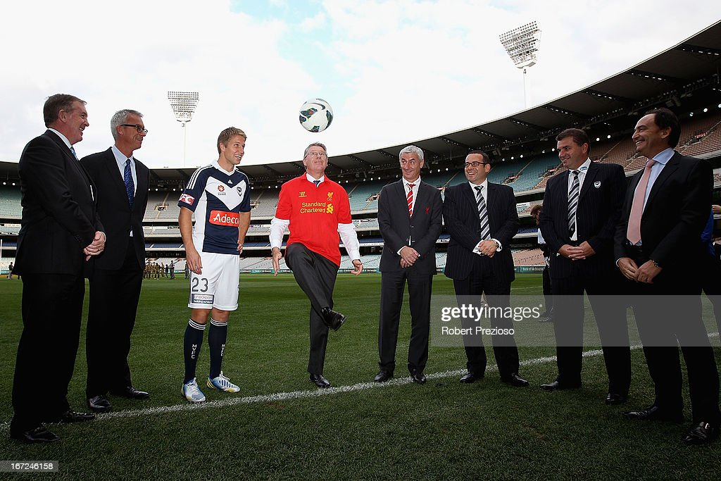 <a gi-track='captionPersonalityLinkClicked' href=/galleries/search?phrase=Adrian+Leijer&family=editorial&specificpeople=793956 ng-click='$event.stopPropagation()'>Adrian Leijer</a> Melbourne Victory Captain, Denis Napthine Victorian State Premier and <a gi-track='captionPersonalityLinkClicked' href=/galleries/search?phrase=Ian+Rush&family=editorial&specificpeople=2107557 ng-click='$event.stopPropagation()'>Ian Rush</a> Liverpool FC Ambassador and Former Player pose for photos after a press conference at Melbourne Cricket Ground on April 23, 2013 in Melbourne, Australia. Liverpool FC will play Melbourne Victory in a friendly at the MCG on July 24th.