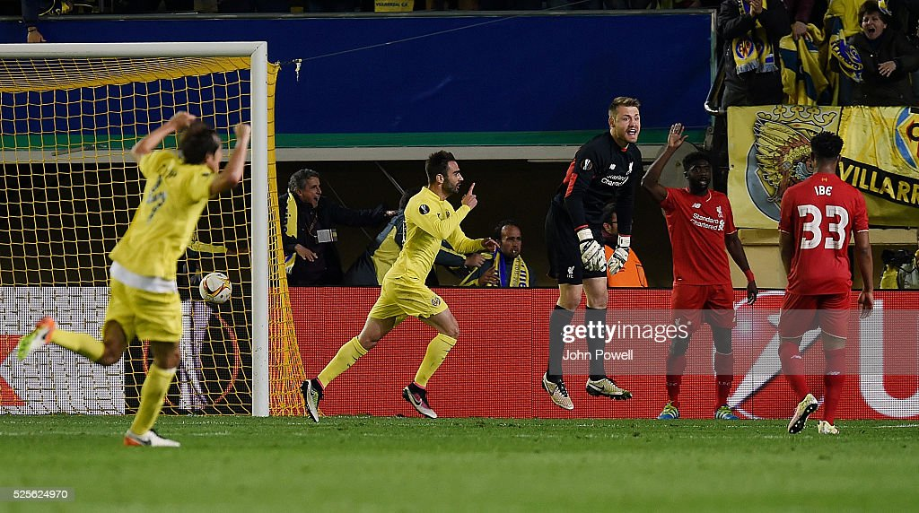 Adrian Lopez of Villarreal celebrates after scoring the winning goal during the UEFA Europa League Semi Final: First Leg match between Villarreal CF and Liverpool on April 28, 2016 in Villarreal, Spain.