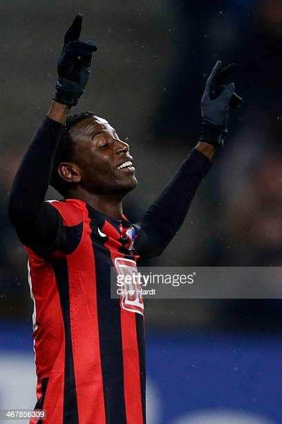 Adrian Ramos of Berlin celebrates after scoring their first goal during the Bundesliga match between Hamburger SV and Hertha BSC at Imtech Arena on...