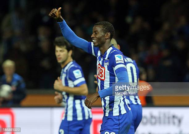 Adrian Ramos of Berlin jubilates after scoring the first goal during the Bundesliga match between Hertha BSC and Borussia Moenchengladbach at...