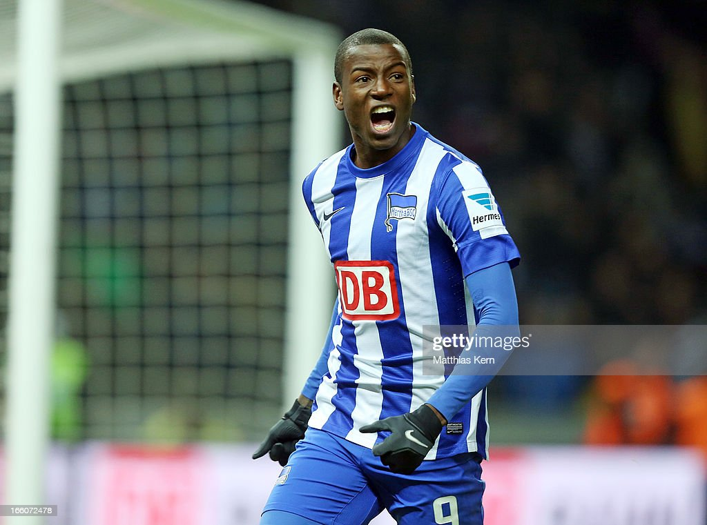 <a gi-track='captionPersonalityLinkClicked' href=/galleries/search?phrase=Adrian+Ramos&family=editorial&specificpeople=5547196 ng-click='$event.stopPropagation()'>Adrian Ramos</a> of Berlin jubilates after scoring the second goal during the Second Bundesliga match between Hertha BSC Berlin and Eintracht Braunschweig at Olympic stadium on April 8, 2013 in Berlin, Germany.