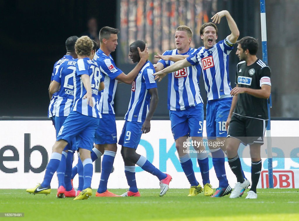 Adrian Ramos of Berlin jubilates with team mates after scoring the first goal during the Second Bundesliga match between Hertha BSC Berlin and VFR...