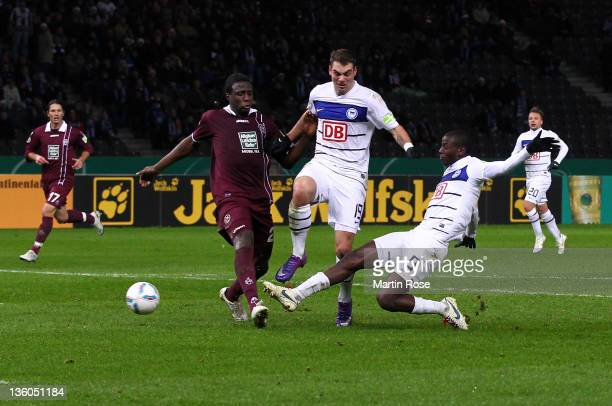 Adrian Ramos of Berlin scores his team's first goal during the DFB Cup round of sixteen match between Hertha BSC Berlin and 1 FC Kaiserslautern at...
