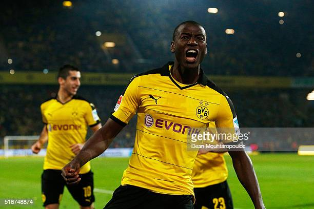 Adrian Ramos of Borussia Dortmund celebrates scoring his team's third goal during the Bundesliga match between Borussia Dortmund and Werder Bremen at...