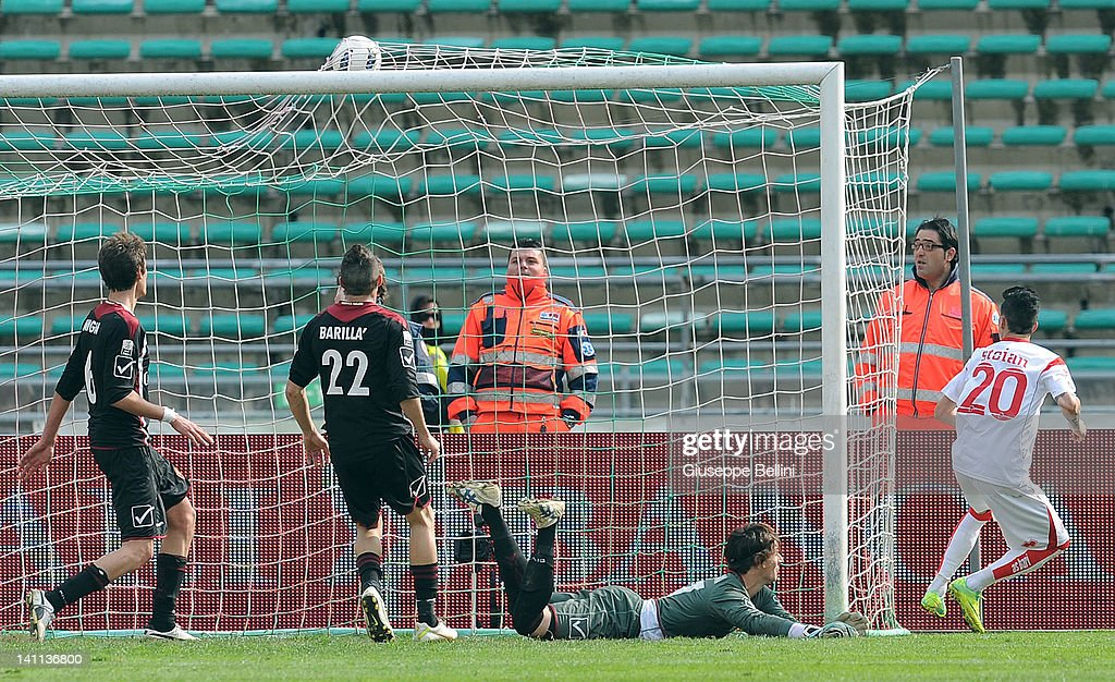 Adrian Stoian of Bari scores Bari's second goal during the Serie B match between AS Bari and Reggina Calcio at Stadio San Nicola on March 11 2012 in...