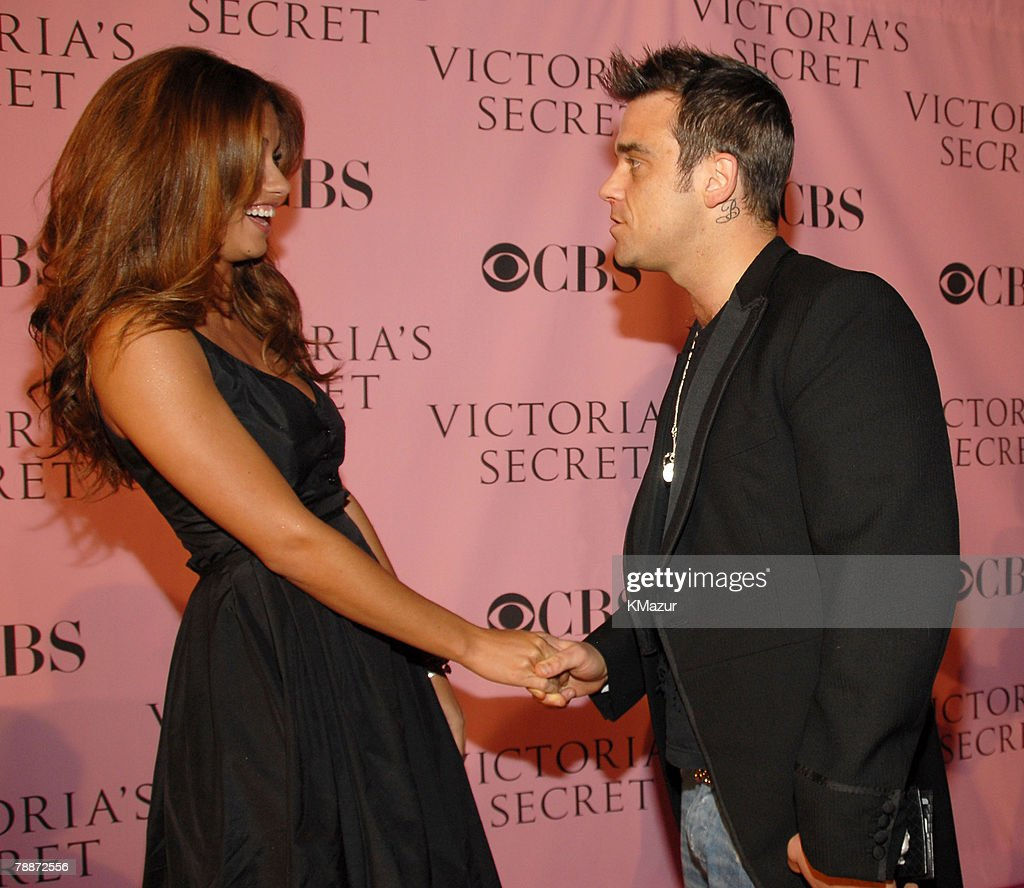 Adriana Lima and Robbie Williams *Exclusive Coverage*