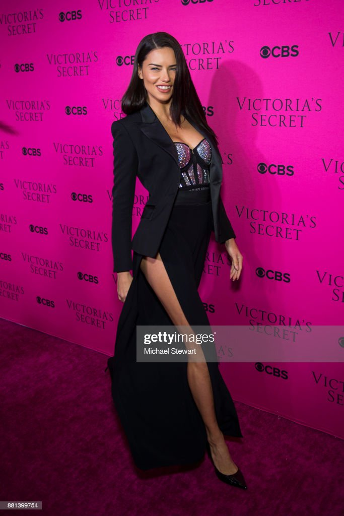 Adriana Lima attends the 2017 Victoria's Secret Fashion Show viewing party pink carpet at Spring Studios on November 28, 2017 in New York City.