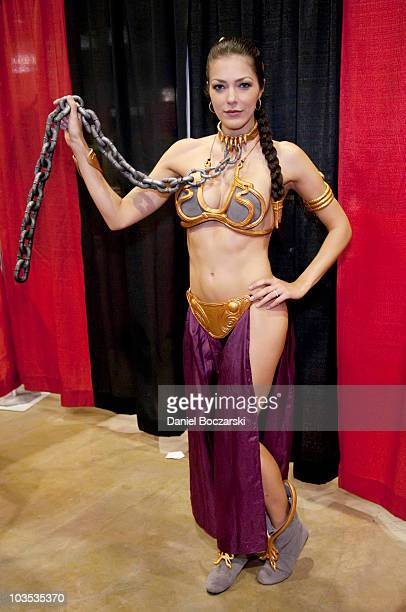 Adrianne Curry attends Wizard World Chicago Comic Con at the Donald E Stephens Convention Center on August 21 2010 in Chicago Illinois