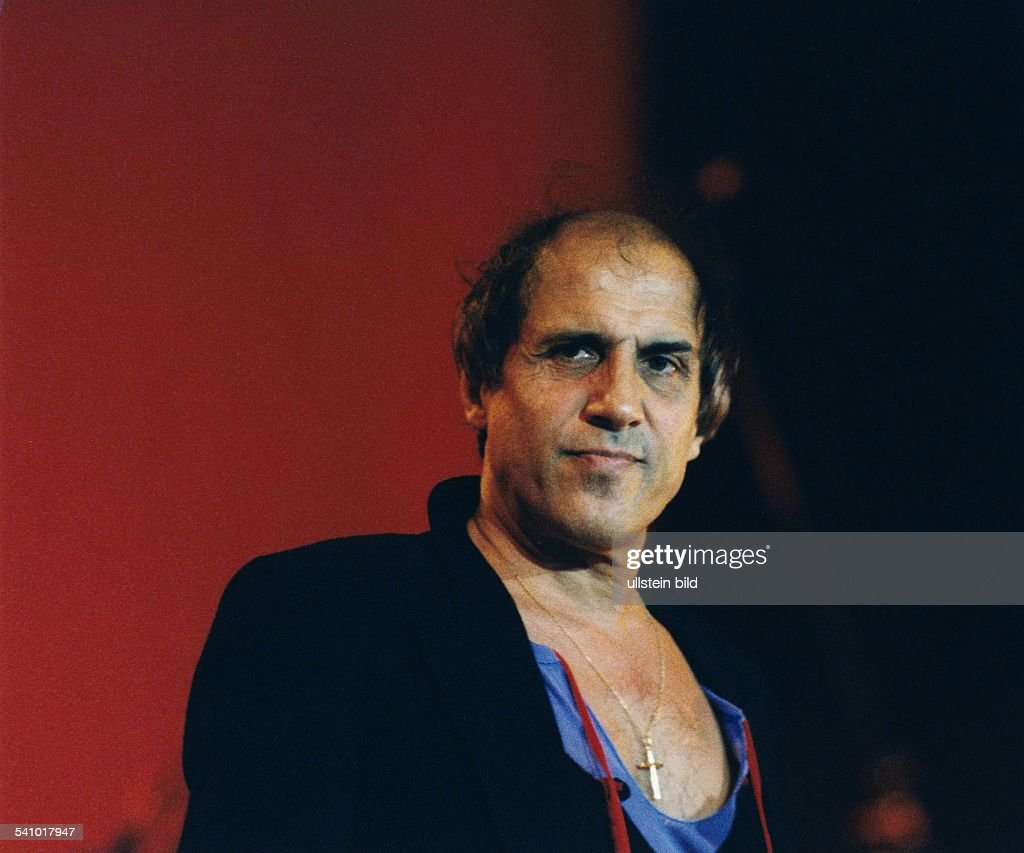 Adriano Celentano *Schauspieler Sänger Italienauf der Bühne 1994