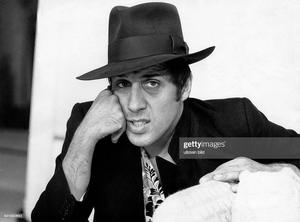 Adriano Celentano *Schauspieler Sänger ItalienAufnahme mit Hut 1978
