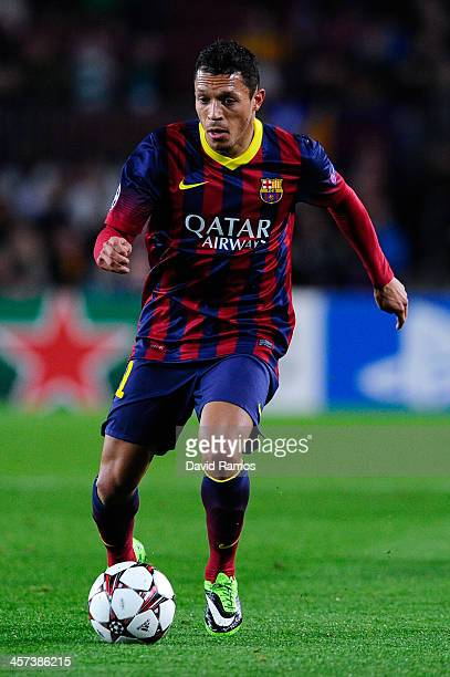Adriano Correia of FC Barcelona runs with the ball during the Champions League Group H match between FC Barcelona and Celtic FC at Camp Nou on...