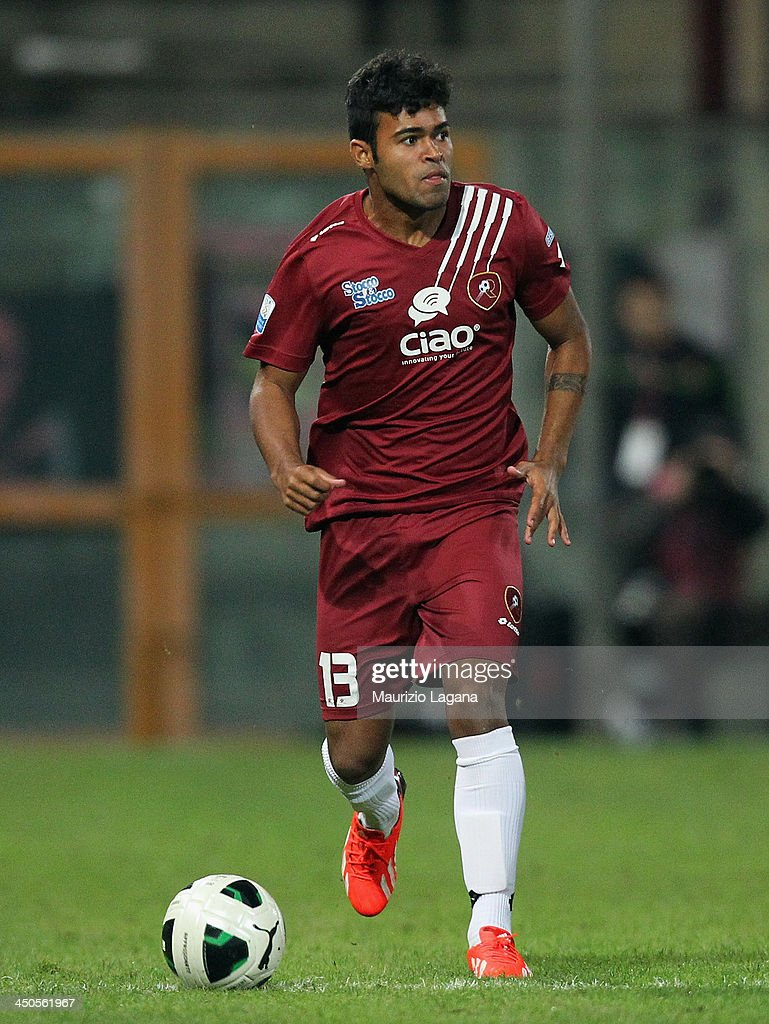 <a gi-track='captionPersonalityLinkClicked' href=/galleries/search?phrase=Adriano+Louzada&family=editorial&specificpeople=801679 ng-click='$event.stopPropagation()'>Adriano Louzada</a> of Reggina during the Serie B match between Reggina Calcio and US Citta di Palermo at Stadio Oreste Granillo on November 16, 2013 in Reggio Calabria, Italy.