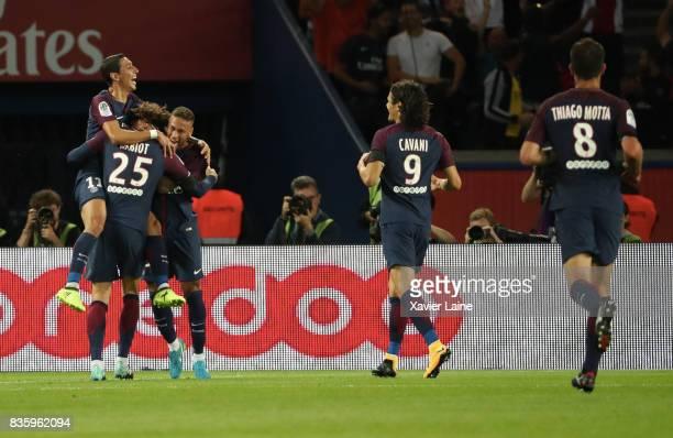 Adrien Rabiot of Paris SaintGermain celebrate his goal with Edinson Cavani and Angel Di Maria during the French Ligue 1 match between Paris Saint...