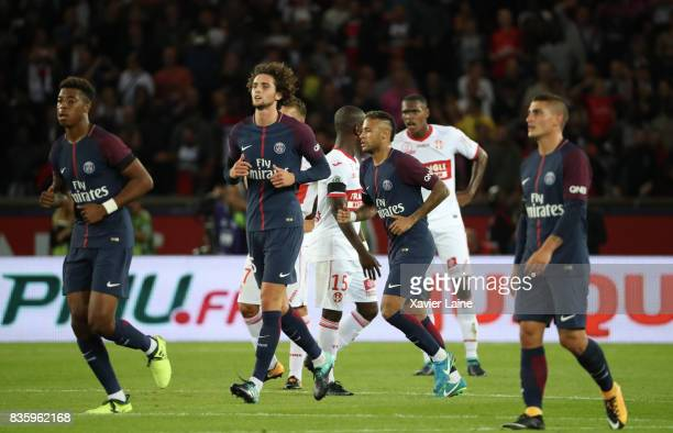 Adrien Rabiot of Paris SaintGermain celebrate his goal with Edinson Cavani and Neymar Jr during the French Ligue 1 match between Paris Saint Germain...