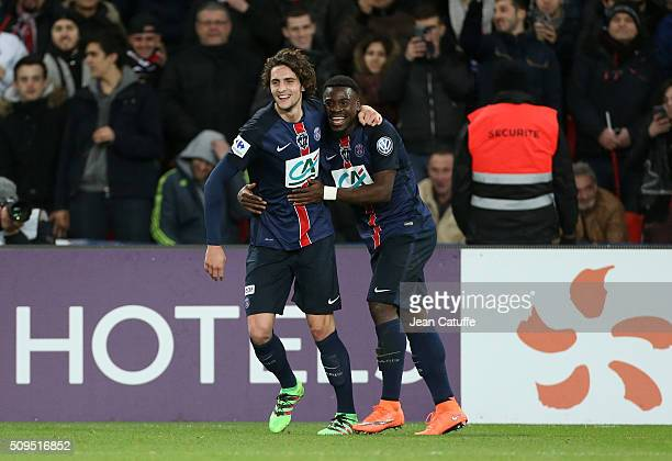 Adrien Rabiot of PSG celebrates scoring a goal with Serge Aurier during the French Cup match between Paris SaintGermain and Olympique Lyonnais at...