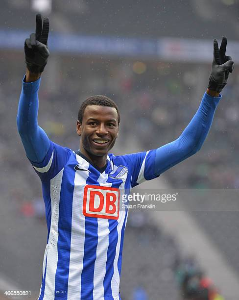 Adrián Ramos of Berlin celebrates scoring his goal during the Bundesliga match between Hertha BSC and 1 FC Nuernberg at Olympiastadion on February 2...