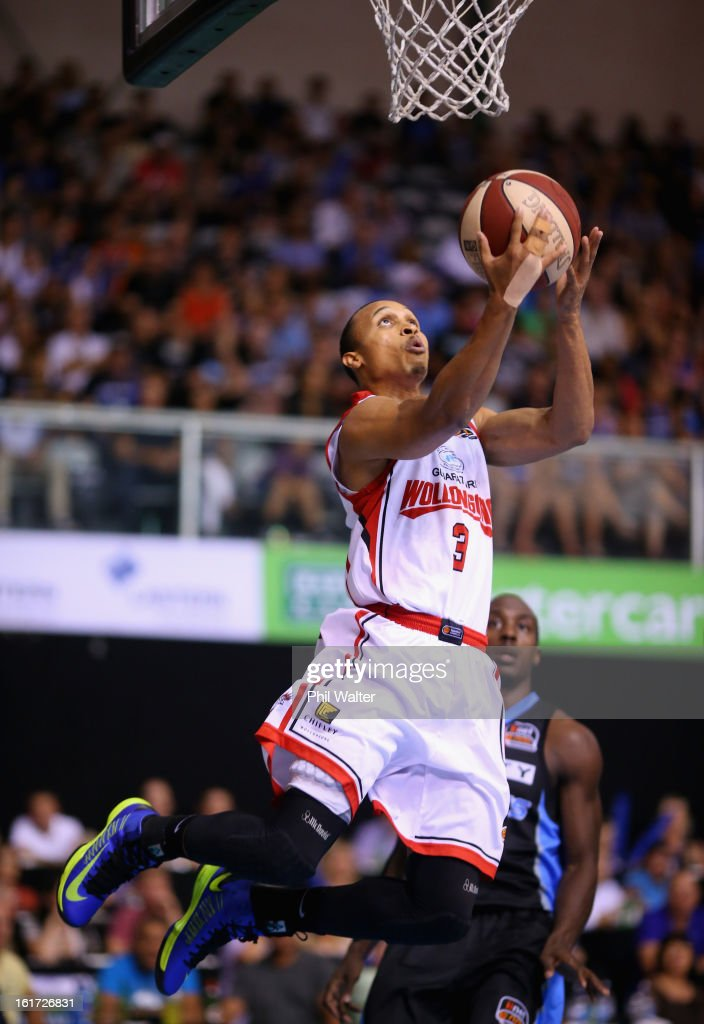 Adris Deleon of the Hawks dunks the ball during the round 18 NBL match between the New Zealand Breakers and the Wollongong Hawks at the North Shore Events Centre on February 15, 2013 in Auckland, New Zealand.