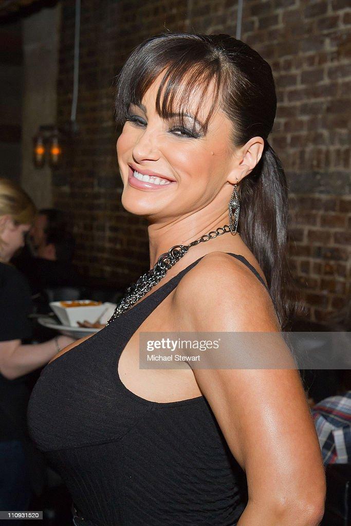Lisa Ann Adult 74