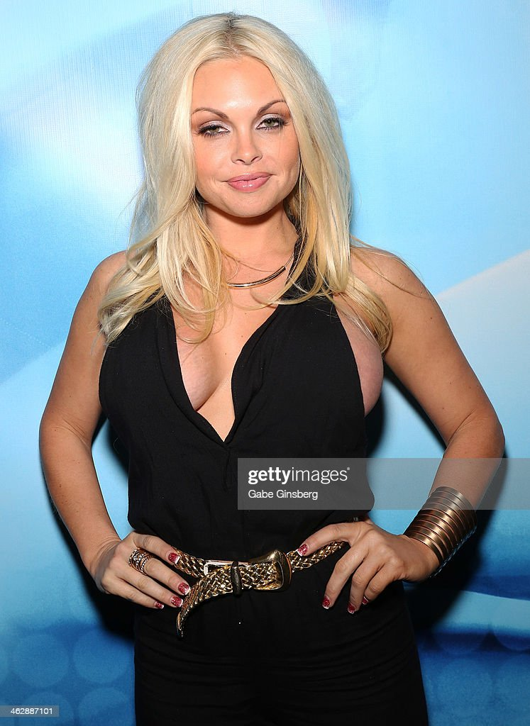Adult film actress <a gi-track='captionPersonalityLinkClicked' href=/galleries/search?phrase=Jesse+Jane&family=editorial&specificpeople=2103220 ng-click='$event.stopPropagation()'>Jesse Jane</a> attends the 2014 AVN Adult Entertainment Expo at the Hard Rock Hotel & Casino on January 15, 2014 in Las Vegas, Nevada.