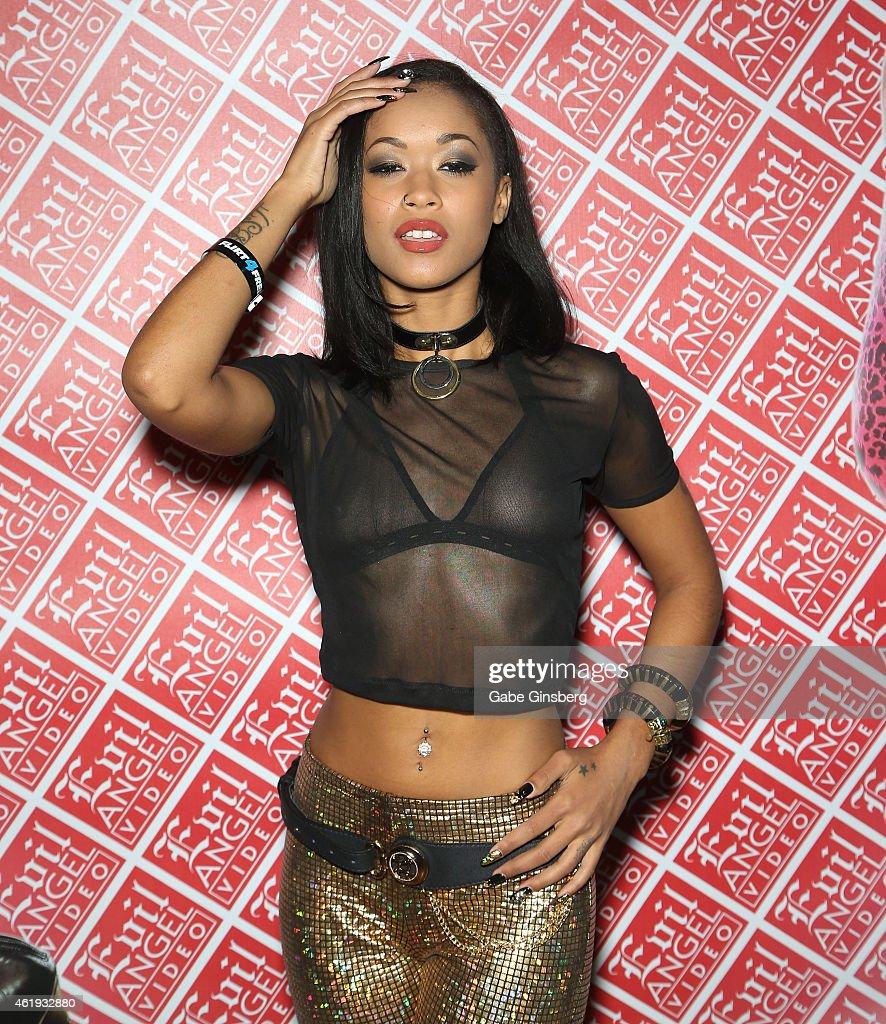 Diamond Porn Actress 105