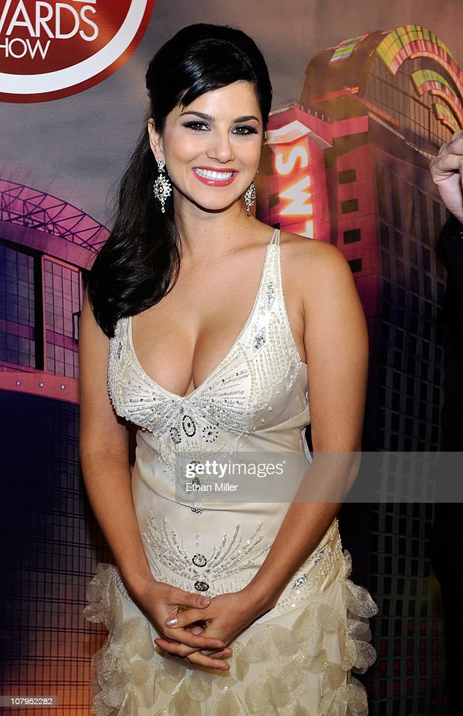 Adult film actress <a gi-track='captionPersonalityLinkClicked' href=/galleries/search?phrase=Sunny+Leone&family=editorial&specificpeople=4105641 ng-click='$event.stopPropagation()'>Sunny Leone</a> arrives at the 28th annual Adult Video News Awards Show at the Palms Casino Resort January 8, 2011 in Las Vegas, Nevada.