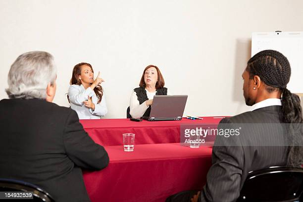 Adulte, formation ou séminaire et proposent un service d'interprétariat