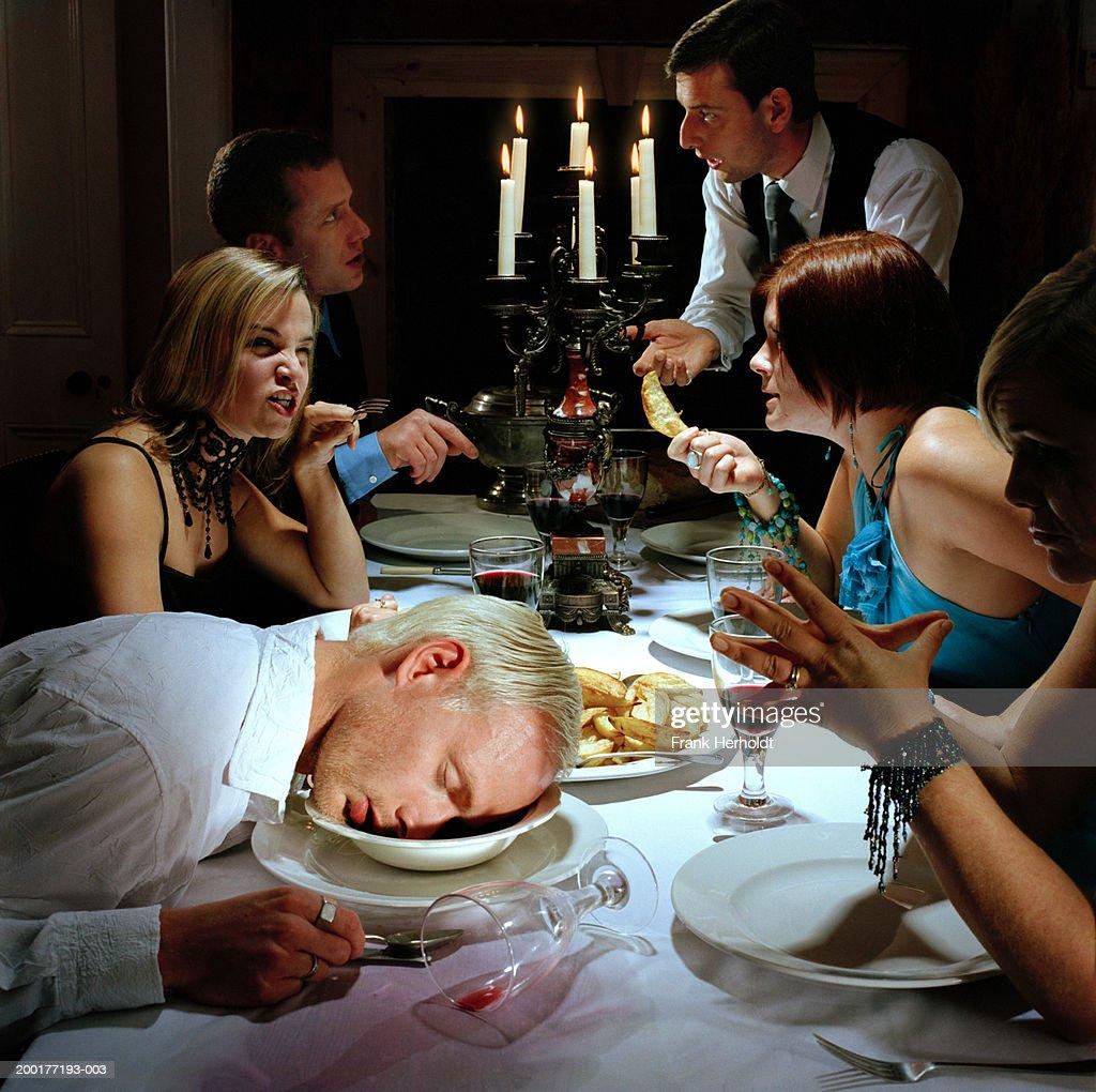 Dinner Head