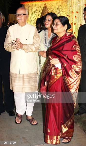 Advani with daughter Pratibha and wife Kamla during actor Vivek Oberoi's wedding reception in Mumbai on October 31 2010