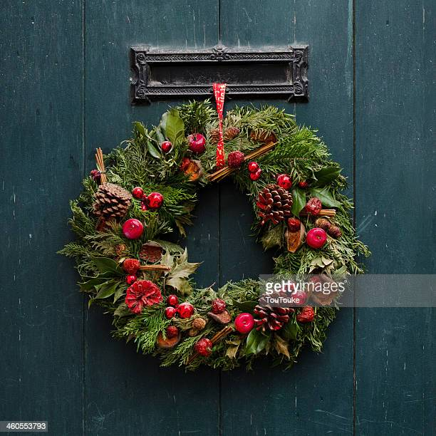 Advent - Advent Christmas wreath on wooden door de