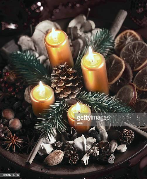 Advent wreath, four burning candles