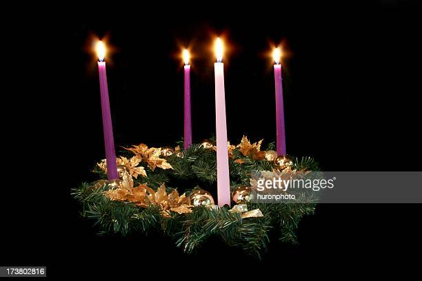 advent wreath on black