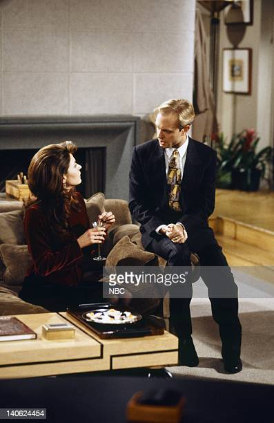 FRASIER 'Adventures in Paradise Part 2' Episode 9 Pictured Jane Leeves as Daphne Moon David Hyde Pierce as Doctor Niles Crane Photo by Chris...