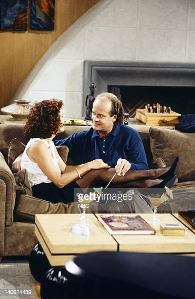FRASIER 'Adventures in Paradise Part 2' Episode 9 Pictured JoBeth Williams as Madeline Marshall Kelsey Grammer as Doctor Frasier Crane Photo by Chris...