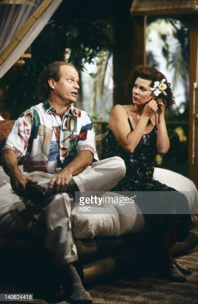 FRASIER 'Adventures in Paradise Part 2' Episode 9 Pictured Kelsey Grammer as Doctor Frasier Crane JoBeth Williams as Madeline Marshall Photo by Chris...