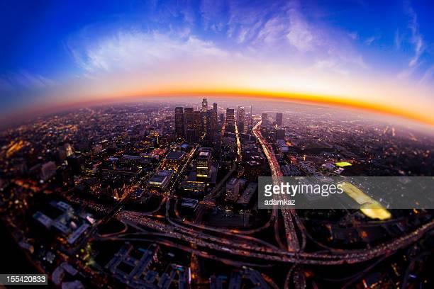 Vista aérea de la ciudad de Los Ángeles en la noche