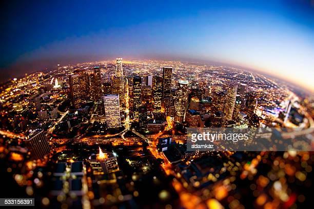 Luftaufnahme der Innenstadt von Los Angeles in der Nacht