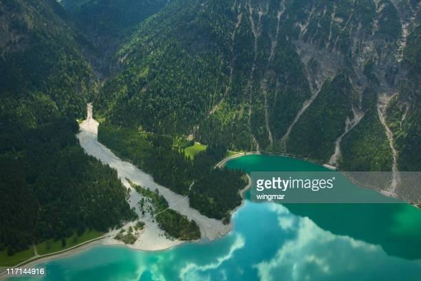 Photographie aérienne du lac heiterwanger Découvrez le Tyrol, en Autriche, les Alpes