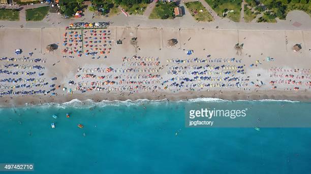 Veduta aerea della spiaggia di sopra