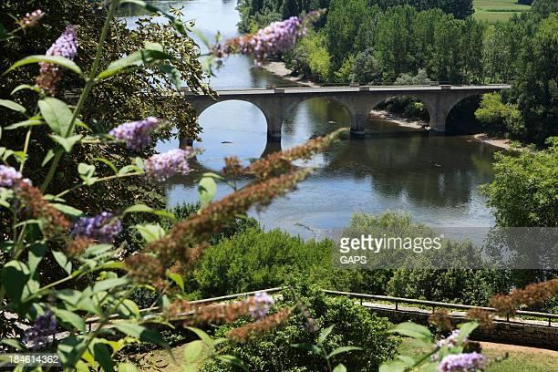 aerial view of a bridge over the Dordogne river