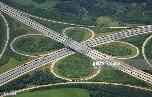 Vista aérea de una autopista intersección