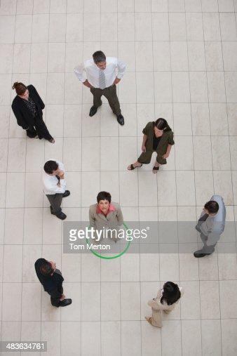 Vista aérea da Empresária rodeado por círculo : Foto de stock
