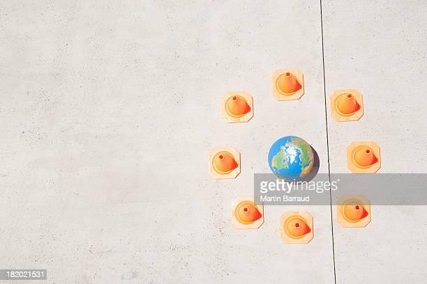 Luftaufnahme der Welt mit Sicherheit Hütchen