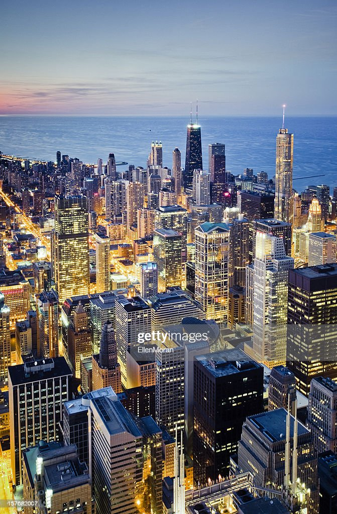 Aerial view of illuminated Chicago cityscape at dusk : Stock Photo