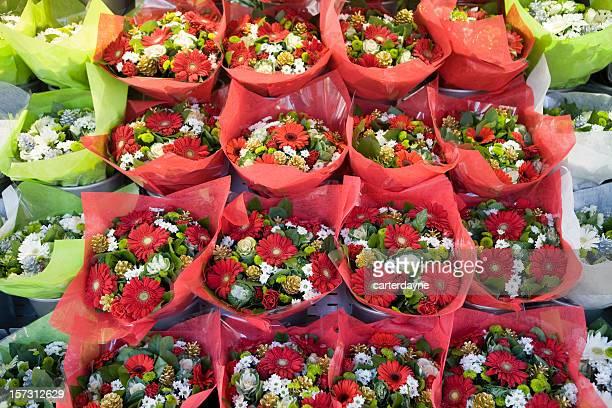 Veduta aerea di bouquet Fiore rosso in un mercato all'aperto, Parigi