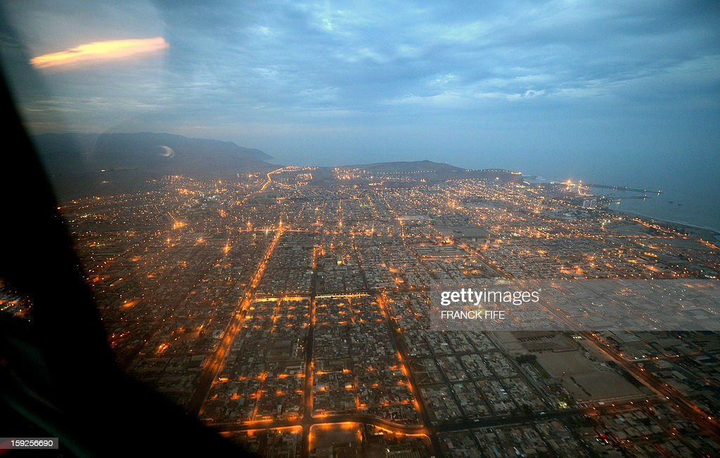 Aerial view of the city of Arica before the Stage 6 of the Dakar 2013 between Arica and Calama, Chile, on January 10, 2013. The rally is taking place in Peru, Argentina and Chile from January 5 to 20. AFP PHOTO / FRANCK FIFE