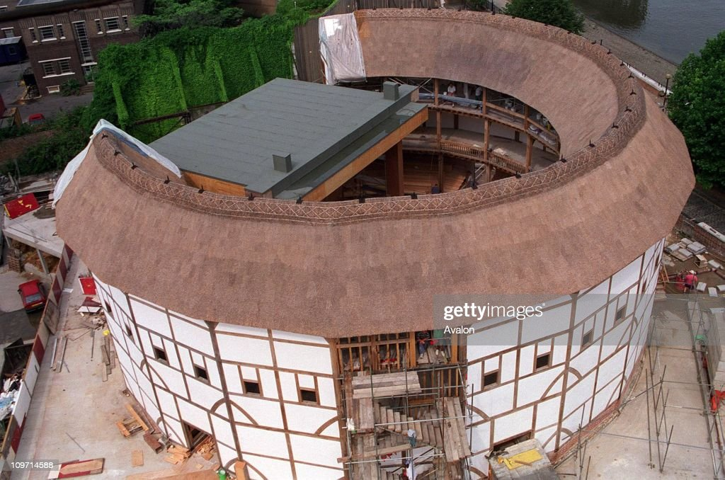 the history of the construction of the globe theatre in london -all the globe theatres were built along the riverbank in southwark  the arts  and history is easily accessible from hotels in piccadilly london.