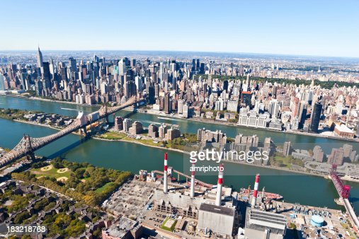 空から見たマンハッタンクイーンボロブリッジ